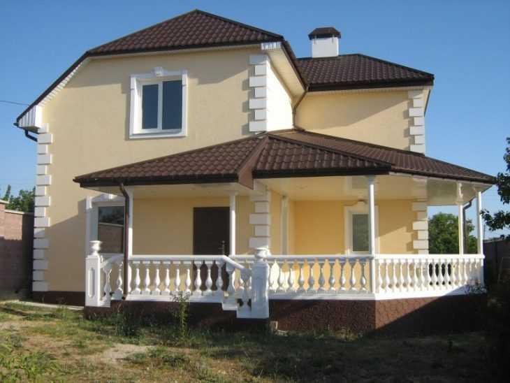 Отделка фасада дома - советы по выбору идей и материалов для оформления дома и построек (95 фото)