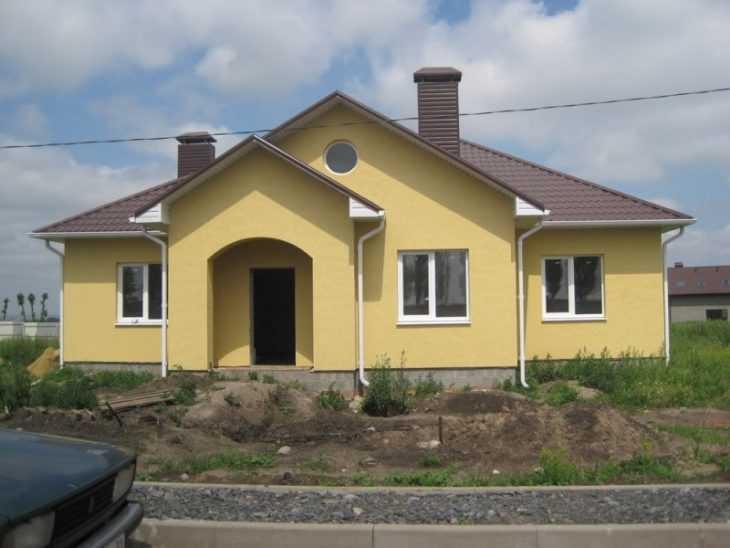 Отделка фасада короедом - красивые варианты наружного оформления и дизайна фасада (125 фото и видео)